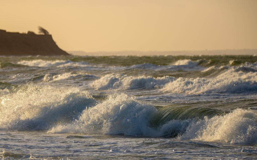 Waves on baltic sea by Jürgen Gerlitz
